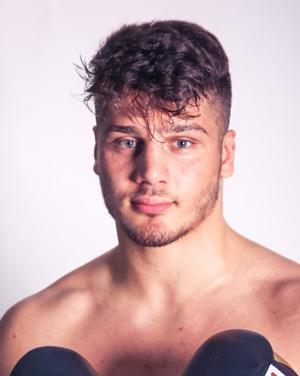 Auch Schwergewichtler Albon Pervizaj aus Hamburg zählt mit Leon Bunn zu den künftigen Hauptkämpfern im Ream Sauerland.