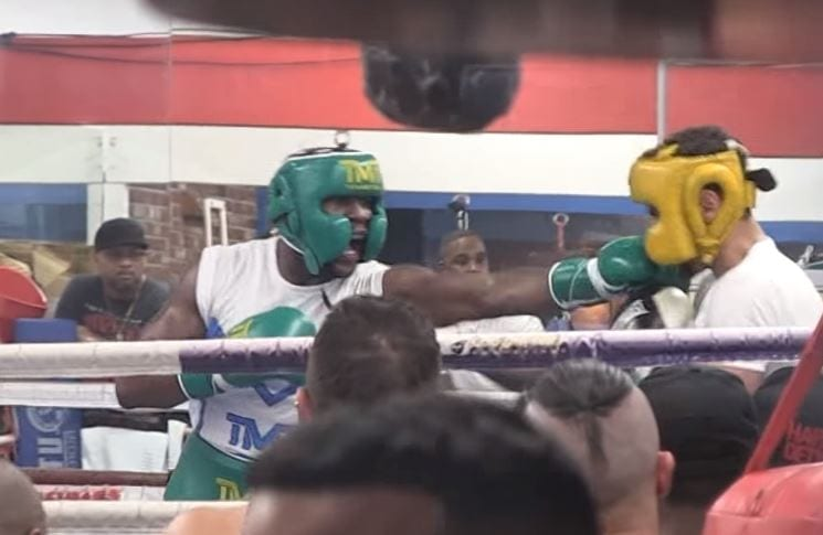 Leaked Mayweather Sparring Footage Ahead Of McGregor Fight