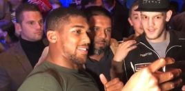 Anthony Joshua gets mobbed