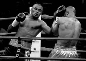 Roy Jones Set To Fight Again