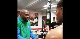 Rare Video Shows Mayweather Letting A Boxer In On His Fight Knowledge