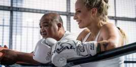 Blonde Bombshell Turns Heads With New Boxing Poll