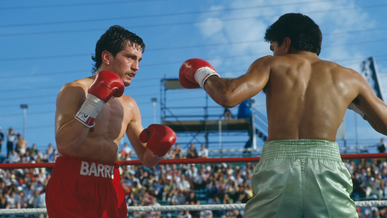 Photo of On This Day: Steve Cruz pips Barry McGuigan in a titanic Las Vegas battle – Boxing News
