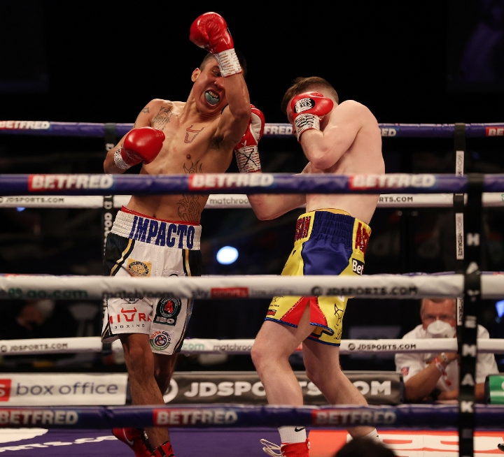 Surely the Mexican unknown couldn't stop another British fighter on home turf? | Straffon vs Hughes