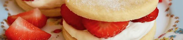 Strawberries and cream shortbread sandwiches