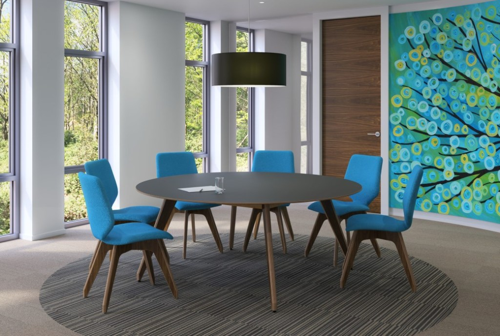 Sven Christiansen Ligni round table with Ligni chairs
