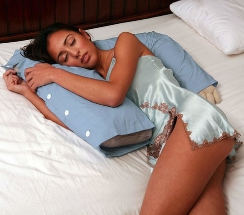 7 best hugging pillows to sleep alone