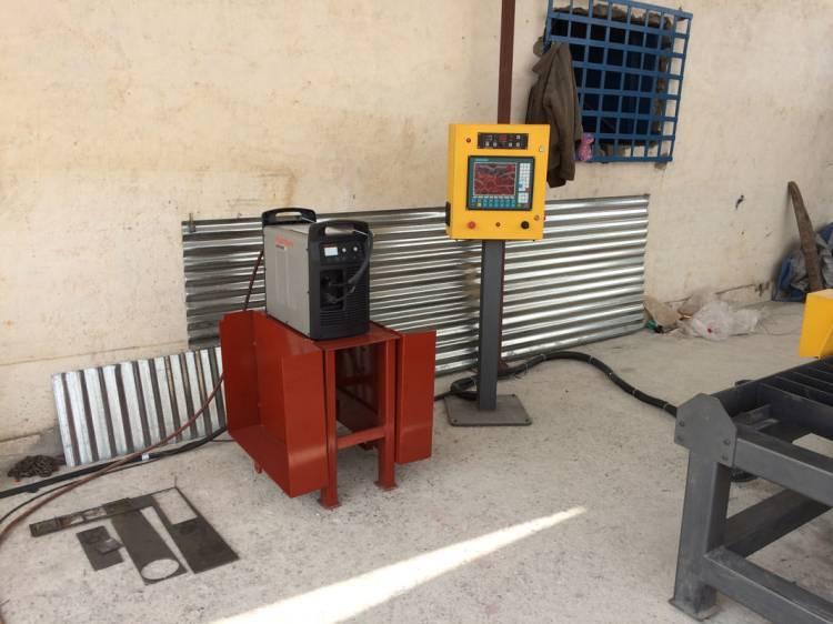 INMACO2 Fecha: 25 febrero, 2014 Sabinas, Coahuila, México. Este cliente cuenta con un pantógrafo MARK5 (modelo descontinuado) con área de corte de 6×12 pies. Está equipado con una fuente de plasma modelo Powermax105 de la marca Hypertherm.