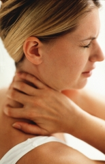 Boyun ağrısı çekenlere öneriler