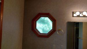 bath-porthole-window