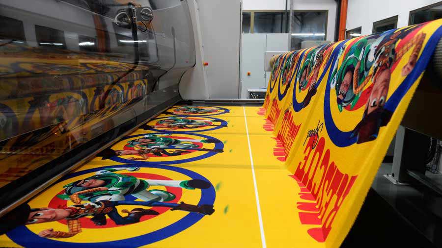 Hilasal produce 8.4 millones de toallas al año y exporta el 90 %