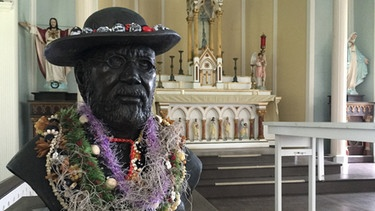 Kalaupapa: Bust of Father Damien | Picture: BR / Till Ottlitz