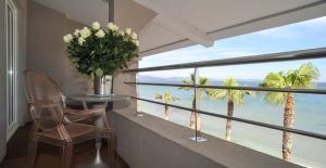 Hotel-vue-sur-mer-Hyeres