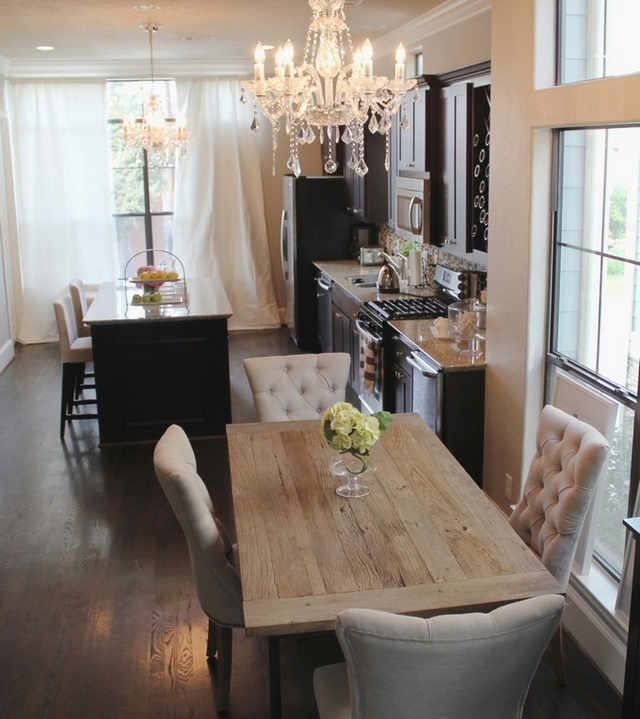 10 Cozy decor ideas for your New Year's Eve dining room on Dining Room Curtains Ideas  id=79881