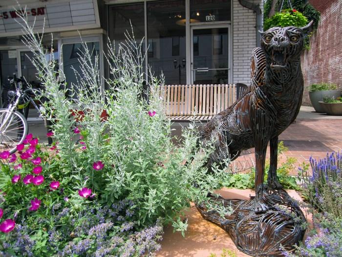 Cat Sculpture (Urbana, IL)