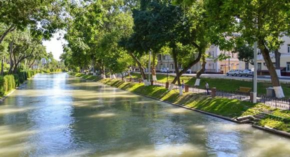 The new way to explore Tashkent: kayaking the Ankhor Canal