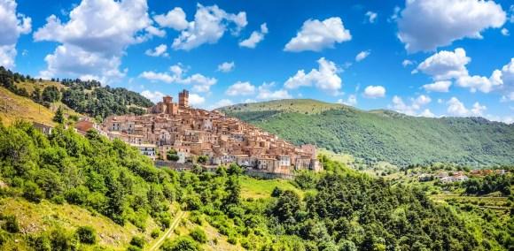 Castel del Monte, Abruzzo,  minnystock, dreamstime