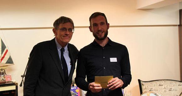 Winner Liam Hodkinson with Simon Calder