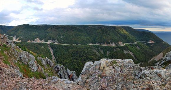 Cabot Trail, Cape Breton Island © chensiyuan, Wikipedia