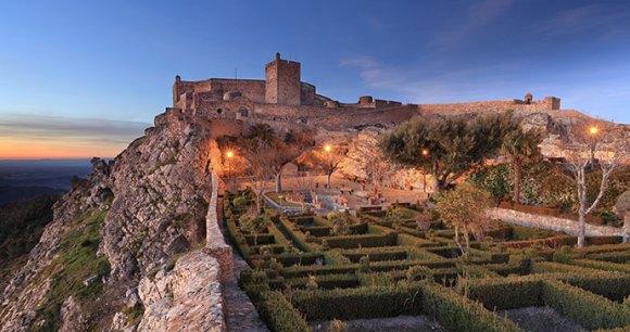 Castelo de Marvão, ARoxoPT, Shutterstock