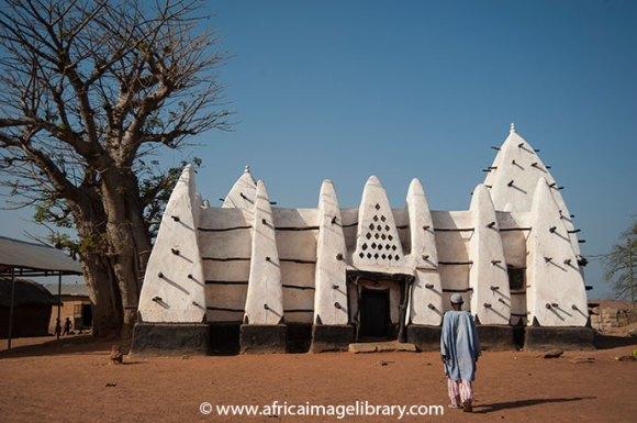 Larabanga Mosque is one of the best examples of Sahelian architecture in West Africa © Ariadne Van Zandbergen