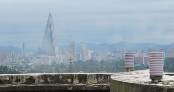 Ryugyong Hotel, Pyongyang, North Korea by Suez, Wikimedia Commons world's most unusual buildings