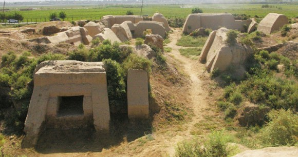 Ancient Buddhist ruins, Ajina Teppa, Tajikistan by Danny Roper, Wikimedia Commons