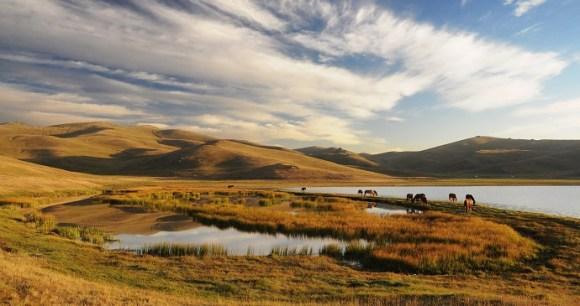 Song Kol, Kyrgyzstan by Pavel Svoboda, Shutterstock
