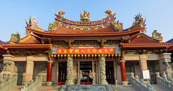 Nankunshen Temple Taiwan by Mk2010 Wikimedia Commons