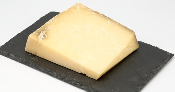 Montgomery's cheddar Somerset by Pierre-Yves Beaudouin Wikimedia Commons