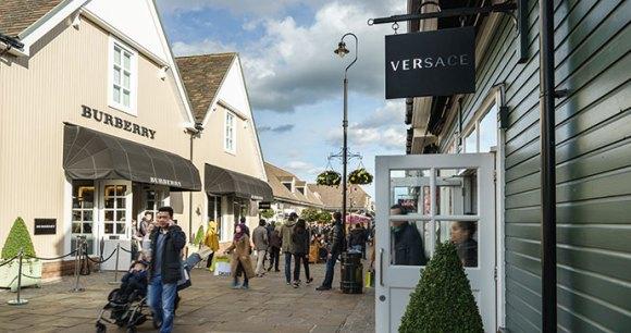 Bicester Village UK by Pawel Pajor, Shutterstock