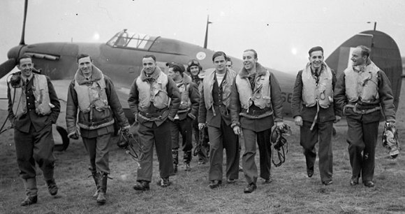 Polish No 303 Squadron Northolt London by Devon S A (Mr) Wikimedia Commons