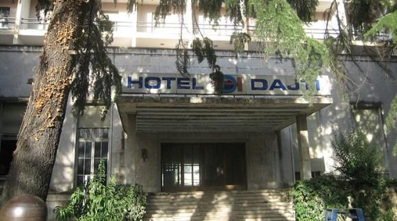 Hotel Dajti, Tirana, Albania by Belgian man, Wikimedia Commons