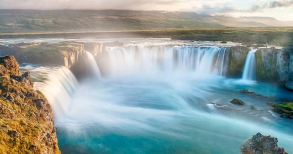 Goðafoss, Iceland by Filip Fuxa, Shutterstock