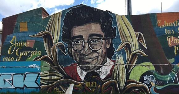 Grafitti Mural, Colombia © Dom Tulett