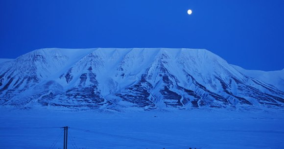 Polar night Svalbard by PaterMcFly, Wikimedia