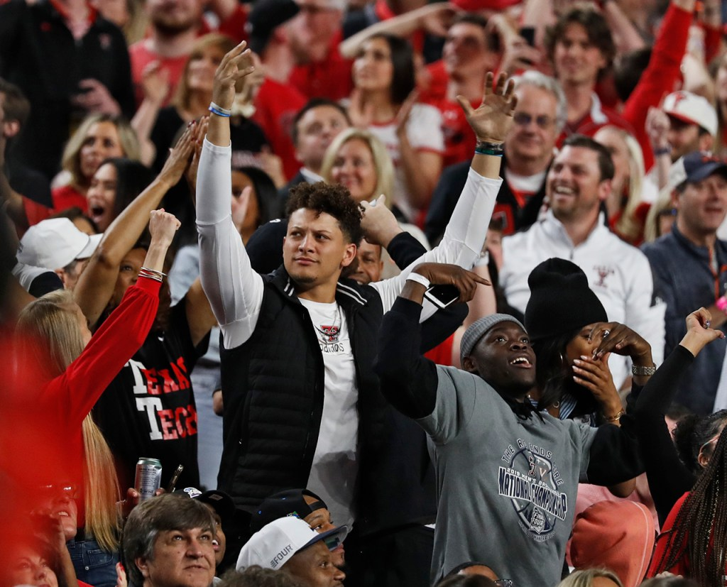 Patrick Mahomes gets the crowd to yell during the men's basketball national championship against Virginia, Monday, April 8, 2019, at U.S. Bank Stadium in Minneapolis, Minn. [Brad Tollefson/A-J Media]