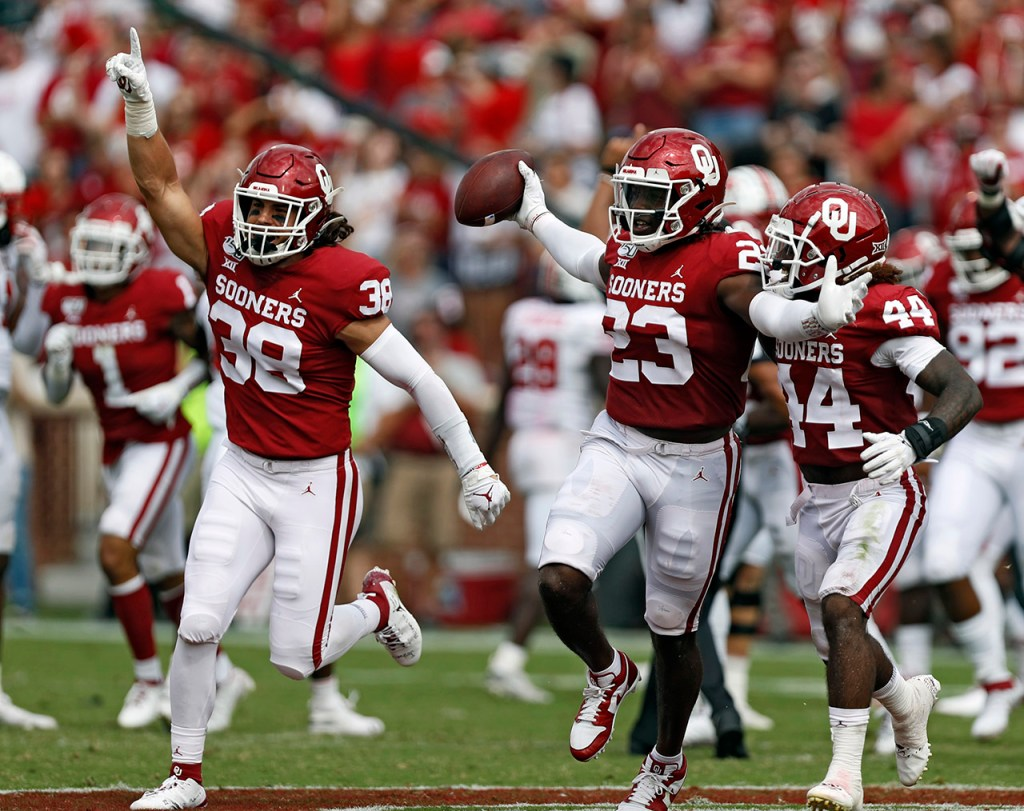 Oklahoma's DaShaun White (23) celebrates after recovering a fumble during the game against Texas Tech, Saturday, Sept. 28, 2019, at Gaylord Memorial Stadium in Norman, Okla. [Brad Tollefson/A-J Media]