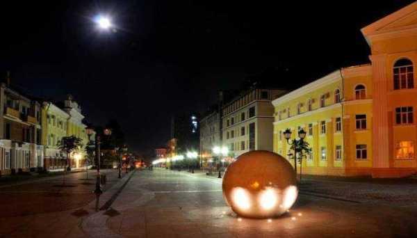 Житель Брянска пожаловался на мрак в центре города ...