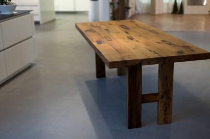Tisch aus Eiche-Altholz