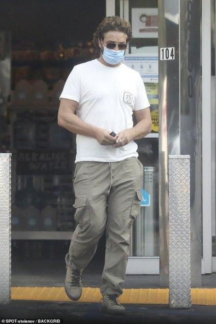 Gerard Butler Disaster Movie Greenland Delayed Again Due To Coronavirus