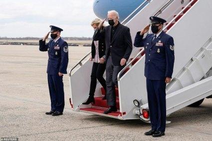 President Biden Admin Asks For Govt Volunteers At The Border Amid Crisis
