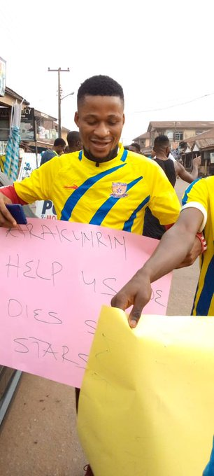 Sunshine Players Protest Over Three Months Unpaid Salaries In Ondo State