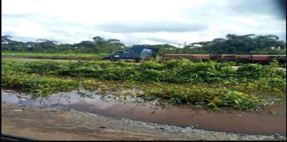 How 2 Fallen Fuel Tankers Spill Contents On Warri-Benin Expressway