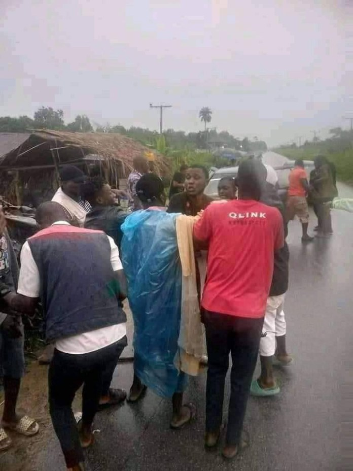 Suspected Yahoo Boy Arrested While Trying To Behead His Girlfriend For Money Rituals In Bayelsa