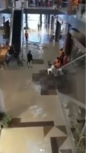 Watch Video As Port Harcourt Mall Is Flooded After Heavy Rainfall
