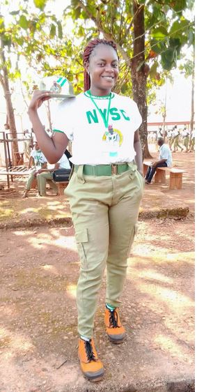 Watch Video, See Photos Of The Moment Female Army Officer Was Caught Bathing NYSC Member With Unknown Substance In Calabar For Allegedly Arguing With Her