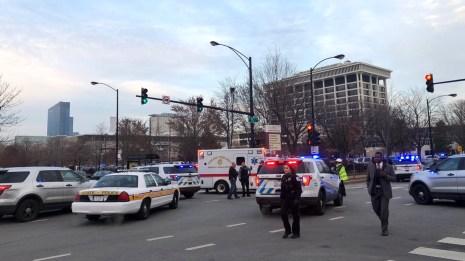 Many Injured As Gunman Attacks Chicago Hospital