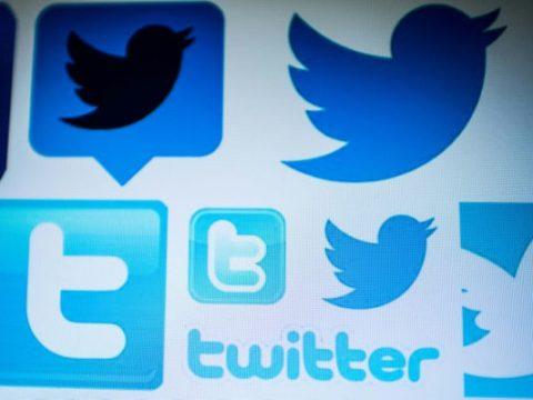 Twitter Deletes 10,000 Accounts