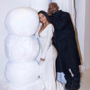 Christmas Photos Of Kanye West, Kim Family